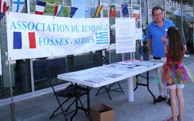 Le stand de l'association de jumelage Fosses Serrès