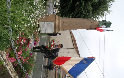 Hommage au Monument aux Morts, Grande-Rue au Village