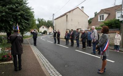 Minute de silence en hommage aux Morts pour la France